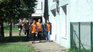 Casa por casa. Los jóvenes realizarán un informe detallado sobre la salud de la población.