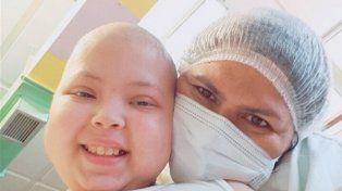 Antonella volvió a ser operada y su madre pidió oración a través de las redes sociales