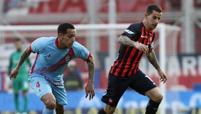 San Lorenzo sigue de racha y venció a Arsenal por la Superliga