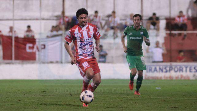 Alexis Ekkert tendrá una nueva temporada defendiendo los colores de Atlético Paraná.