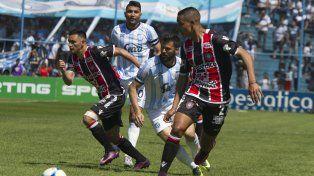 Atlético Tucumán y Chacarita empataron en el estadio Monumental
