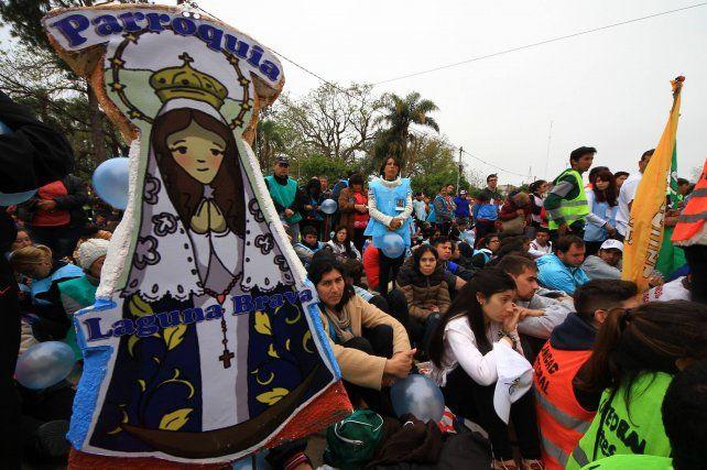 Unas 200.000 personas participaron de la peregrinación juvenil a Itatí