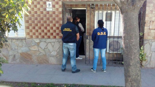 Ventas truchas de autos: una santafesina detenida por estafas por internet