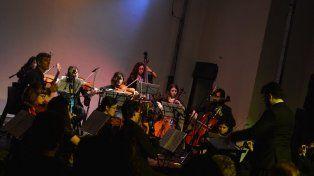 Estilo. La Camerata Galeana está orientada principalmente a la música latinoamericana.