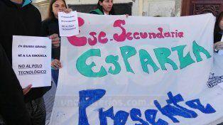Autoconvocados se manifestaron frente al municipio en defensa el Parque Nuevo
