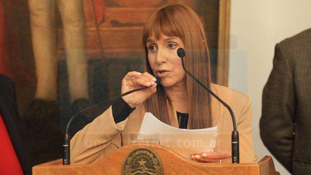 Ley. Velásquez coincide con senadores en que puede mejorarse.