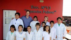 Escuela de campo. Bordet con alumnos de la Primaria Ramón Febre, en San Salvador.