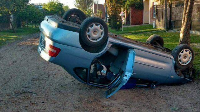 Un joven perdió el control del auto que conducía y volcó en Chajarí