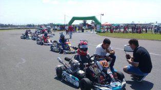 La actividad para los kartistas se desarrolló en el kartódromo El Retome, de 904 metros.