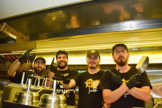 Balance positivo del festival Paraná Vive, con food trucks y bandas en vivo