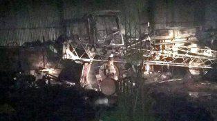 Se incendió un galpón con máquinas agrícolas en Paraná