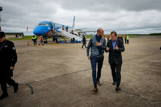 El ministro de Transporte Guillermo Dietrich llegó a Paraná e inaugurará las oficinas de SUBE
