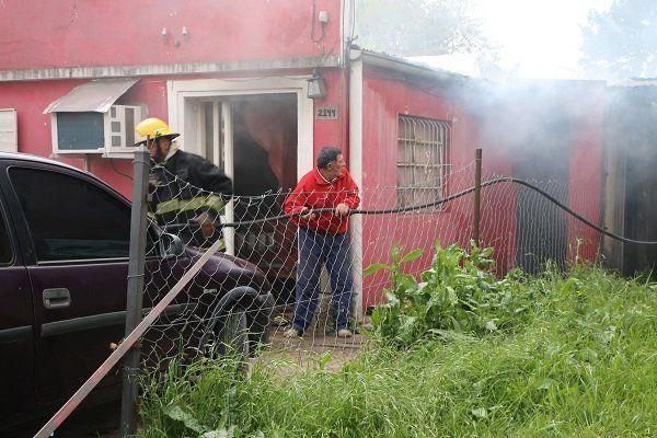 El humo sorprendió a los abuelos. Foto El Día.