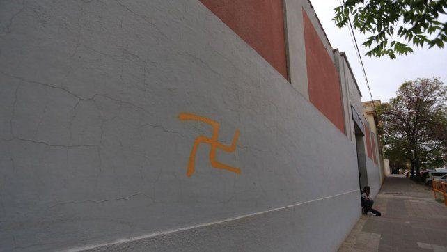 Símbolo nazi. Para la Daia