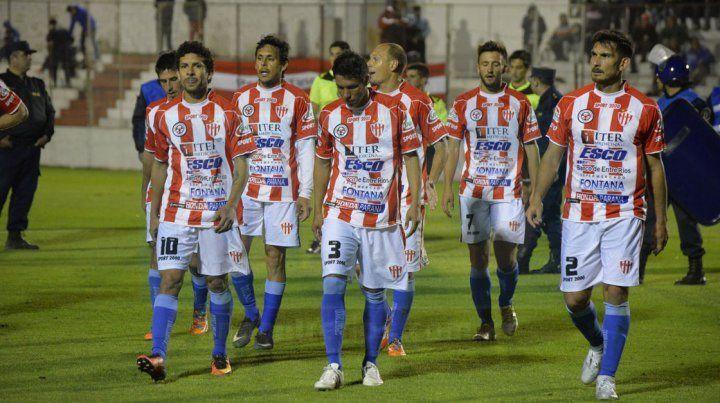 Atlético Paraná suma dos empates y cuatro derrotas en la temporada.