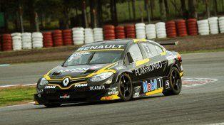 Julián fue el más veloz con una marca de 1 59 292/1000. Lo escoltó Carlos Bueno.