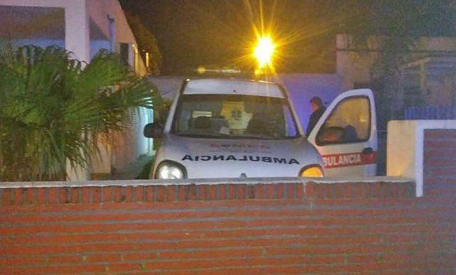Intentó robar una ambulancia pero se chocó un tapial y lo detuvieron