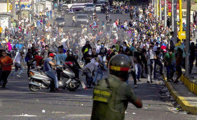 Referéndum en Cataluña: ya hay más de 300 heridos en choques con la Policía