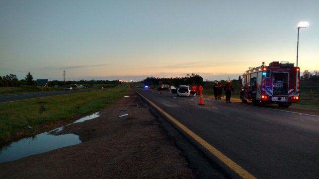 Un hombre murió tras chocar un auto contra un camión