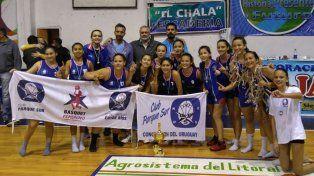 El equipo festejó tras la final jugada ayer, en que superó 60 a 37 al anfitrión Atlético Tala. Luego la premiación con la copa.