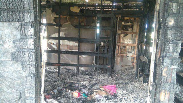 Juego peligroso. Los niños provocaron el incendio que provocó daños totales.