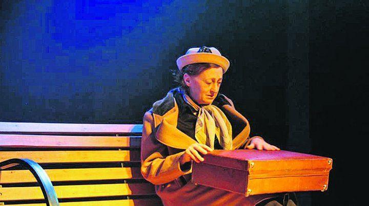 Actriz. La entrerriana Mirta Azzano llega desde La Plata interpretando a una empleada doméstica.