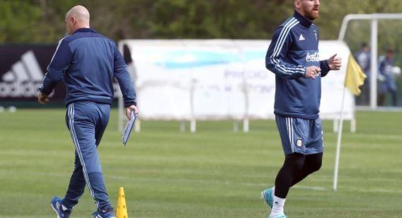 Messi y Mascherano decidieron quedarse en el predio de Ezeiza