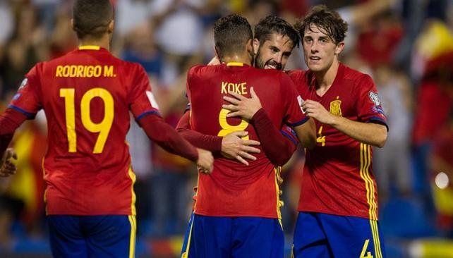 España ganó y se clasificó al Mundial