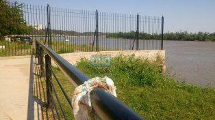 La reja marca el cierre del paso hacia la zona del Puerto Nuevo de Paraná Foto UNO.
