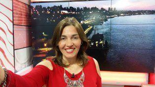 La periodista en el estudio de Canal Once.