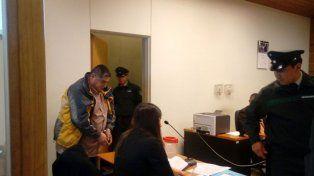 Arrestado por manosearse en un transporte público.