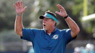 El entrenador de la NFL que fue sorprendido aspirando un comprometedor polvo blanco