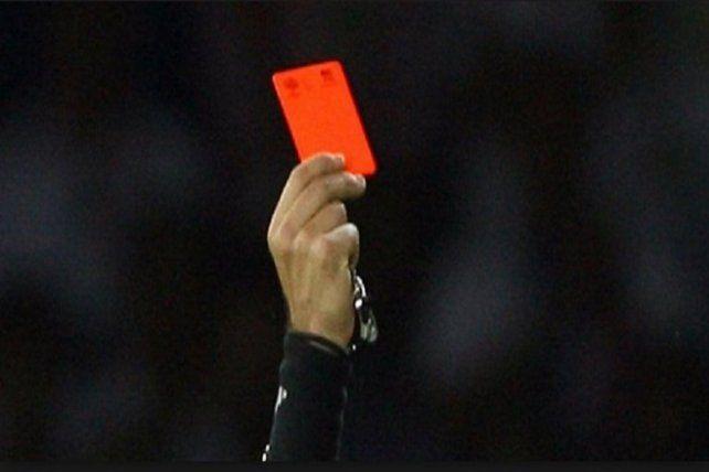 Un árbitro fue agredido por un jugador en Federación