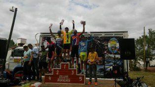 El podio en la prueba de Basavilbaso con presencia del team entrerriano.