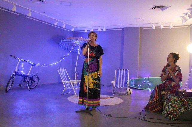 Ana en la presentación del libro que se realizó en Río de Janeiro.