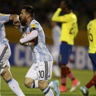 Messi marcó tres goles ante Ecuador y Argentina se metió en Rusia 2018