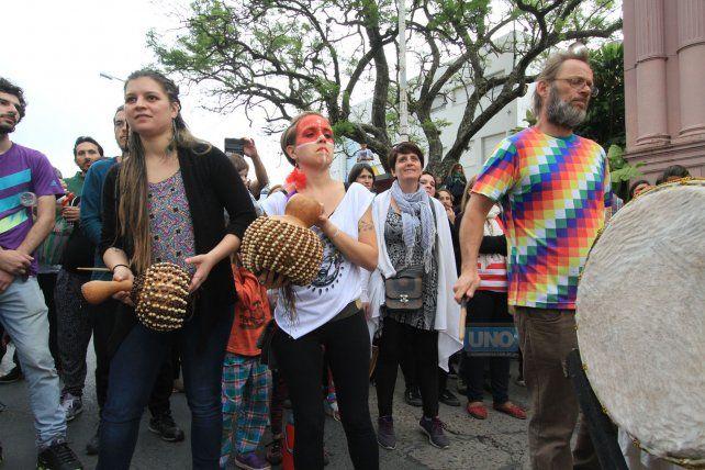 El sábado en Paraná se realizó el Contrafestejo que convocó a una multitud. Foto UNO Juan Ignacio Pereira.