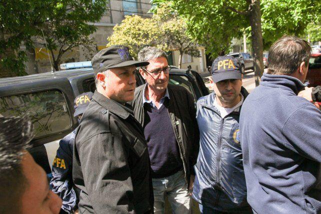 Aníbal Prina fue detenido este mediodía en la sede de la Facultad de Agronomía de la Universidad Nacional de La Pampa. Fuente Télam.