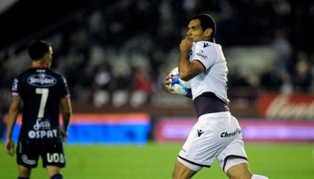 Lanús derrotó al Tatengue en el inicio de la sexta fecha de la Superliga
