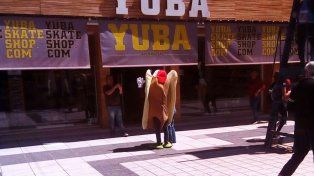 En peatonal San Martín ya se palpita la Fiesta de Disfraces