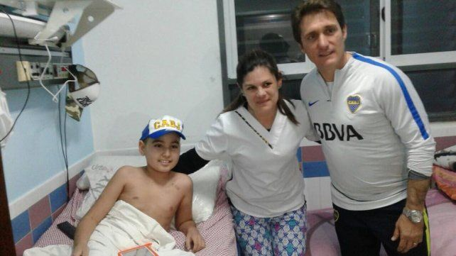 Guillermo Barros Schelotto visitó el hospital San Roque