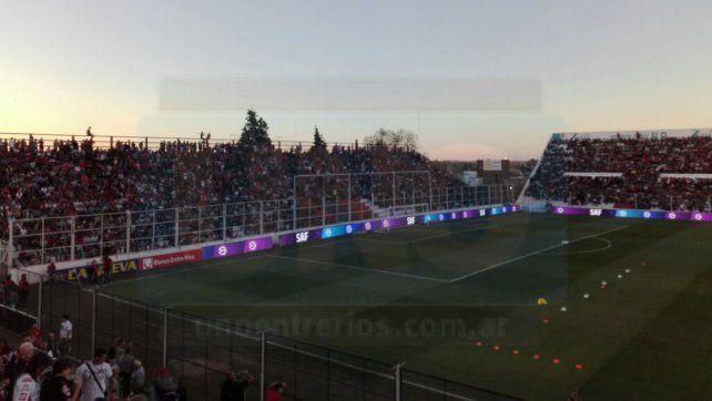Boca derrotó a Patronato por 2 a 0 y festejó en un Grella repleto