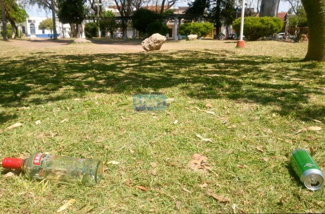 Botellas y latas. Foto UNO.
