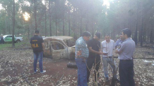 Investigación. En la tarde de este lunes fue encontrado el vehículo incendiado en Corrientes. Foto: PER
