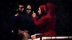 Espectáculo. Prisma Humana una obra de teatro físico, mascara y muñecos de cuerpo hibrido.