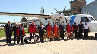 La brigada de perros rastreadores de cadáveres que el Consejo Nacional de Bomberos Voluntarios envió a Chubut