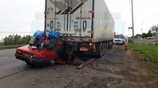 Dos muertos y tres heridos tras un choque fatal en la ruta 12