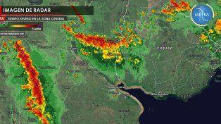 La imagen del radar cruza una banda roja al mapa de provincia