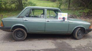 Recuperado. El 911 ubicó el Fiat Europa en una calle del Parque Industrial de Paraná.