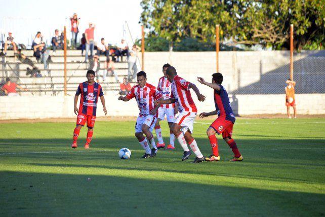 Atlético Paraná sigue sin poder cantar victoria en el Federal A. El Depro conservó su invicto.